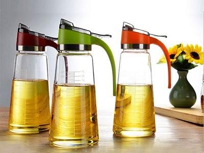 Bình-chiết-dầu-ăn-nước-mắm-Tiện-dụng.jpg